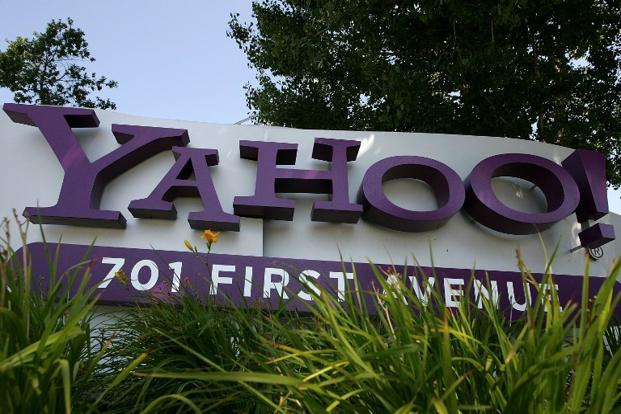 Yahoo announced to shut it's services in China